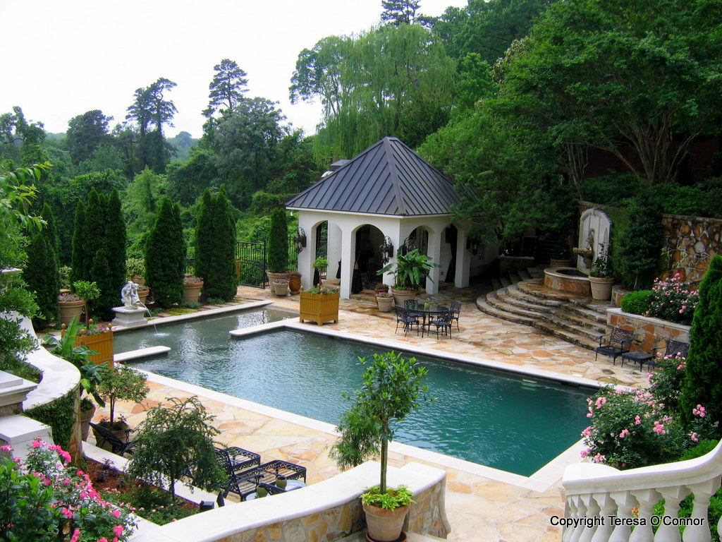 Garden tours southern plantations to french estates for Outdoor garden pool