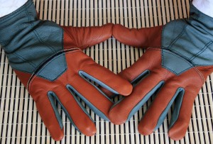 Forester gloves by Fields & Lane