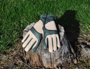 garden gloves by Fields & Lane