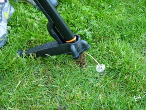 Uproot weeder from fiskars