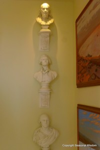 P. Allen Smith's home has busts of George Washington, Thomas Jefferson and Benjamin Franklin.