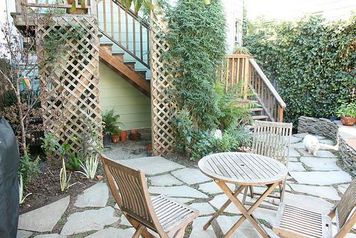 Creating A Lattice Trellis Garden At